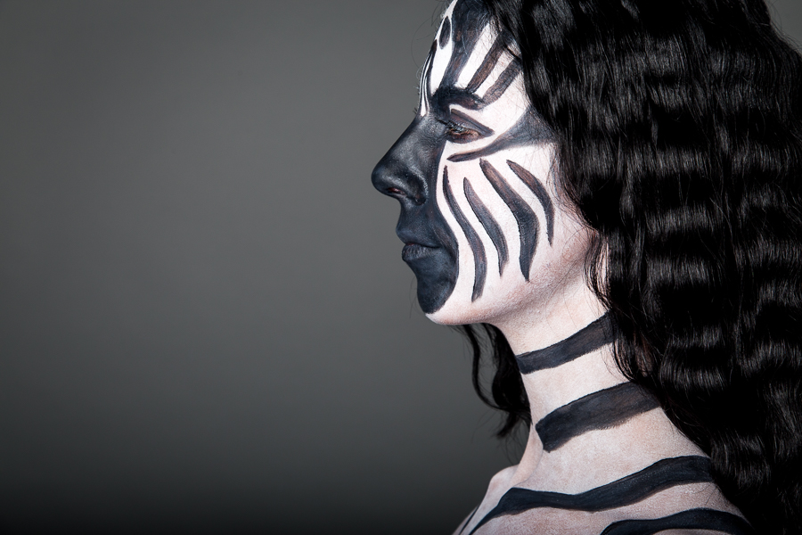 Sehr spannend: farbenfrohes Bodypainting